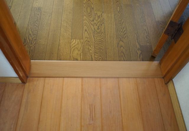 トイレの床の張替えとバリアフリー工事